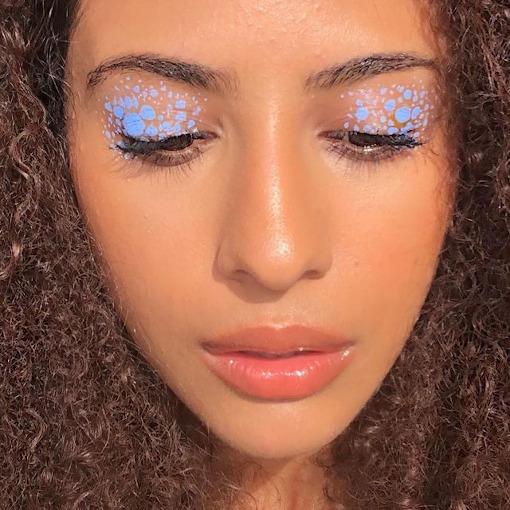 Blue Eyeliner Look