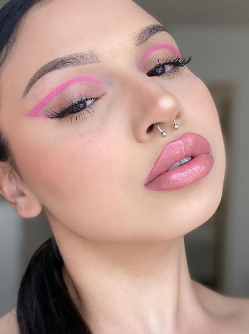 Pink Eyeliner Look