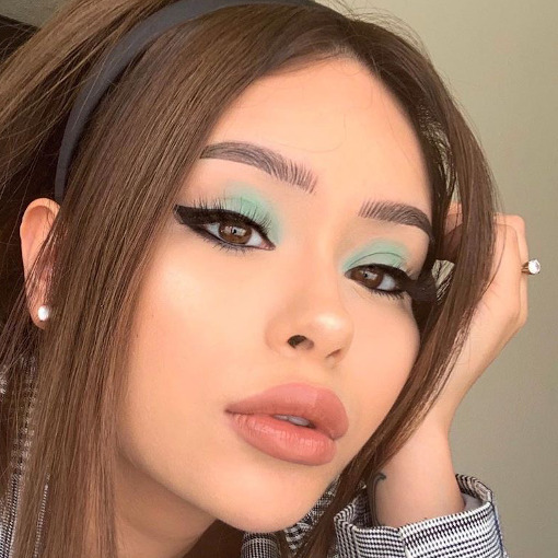 Pastel Green Eyeshadow